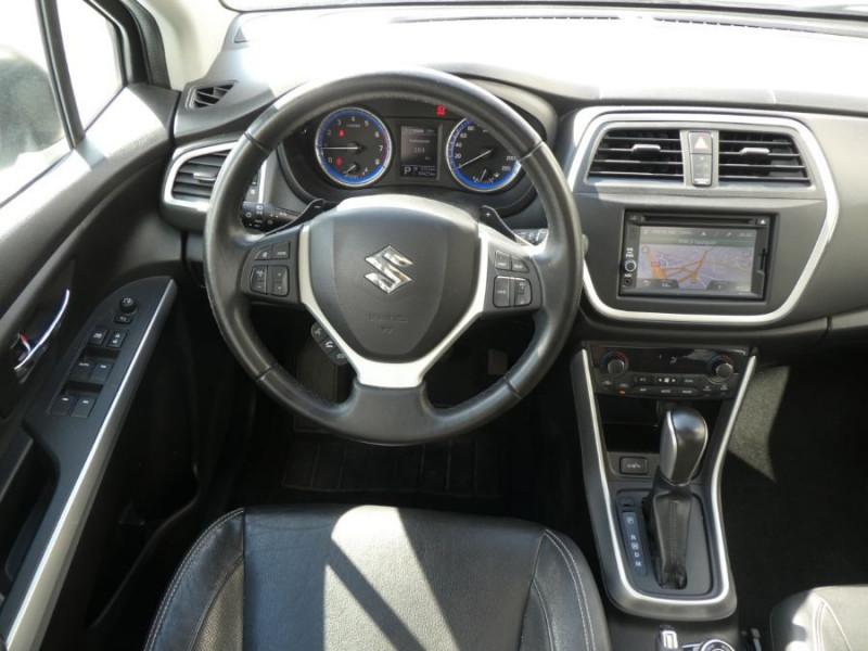 Photo 9 de l'offre de SUZUKI SX4 S-CROSS 1.6 VVT 120 BVA CVT ALLGRIP STYLE CUIR TOE Attel. à 12450€ chez Mérignac auto