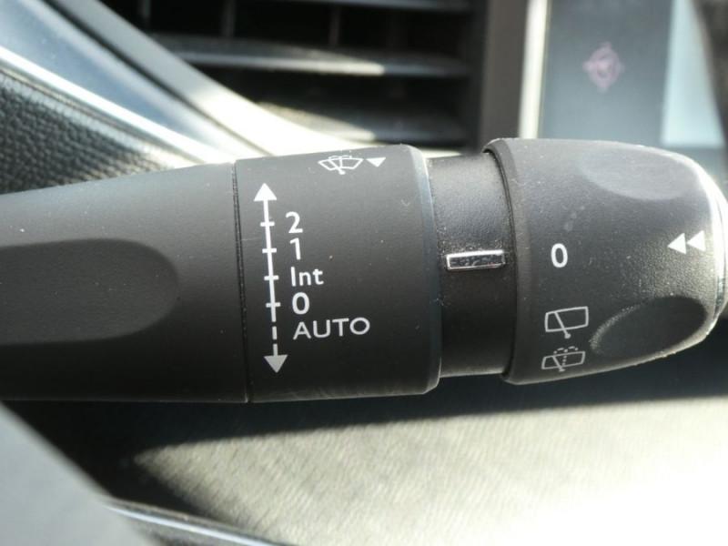 Photo 19 de l'offre de PEUGEOT 308 SW 1.6 BlueHDi 120 EAT6 ALLURE Radars à 14290€ chez Mérignac auto