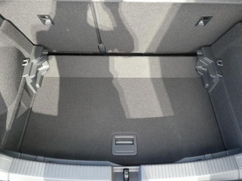 Photo 8 de l'offre de VOLKSWAGEN T-CROSS 1.0 TSI 110 DSG7 LOUNGE Camera Radars RER CLIM Auto JA16 Diam. à 23790€ chez Mérignac auto