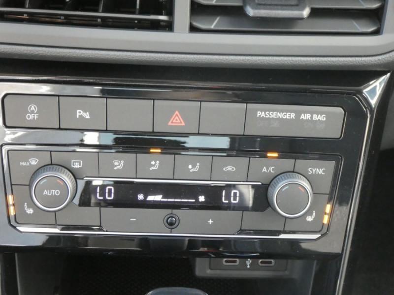 Photo 19 de l'offre de VOLKSWAGEN T-CROSS 1.0 TSI 110 DSG7 LOUNGE Camera Radars RER CLIM Auto JA16 Diam. à 23790€ chez Mérignac auto