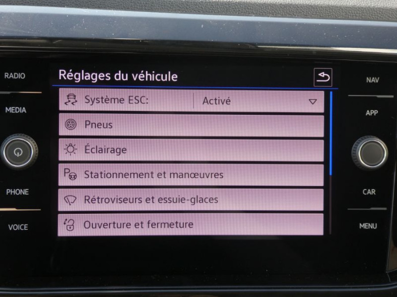 Photo 20 de l'offre de VOLKSWAGEN T-CROSS 1.0 TSI 110 DSG7 LOUNGE PACK BLACK Camera JA17 (8 Options) à 24980€ chez Mérignac auto