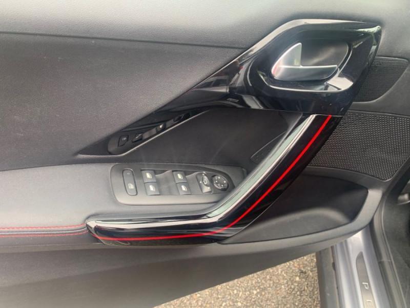 Photo 14 de l'offre de PEUGEOT 2008 II PureTech 130 BV6 GT LINE GPS Camera 1ère Main à 15980€ chez Mérignac auto