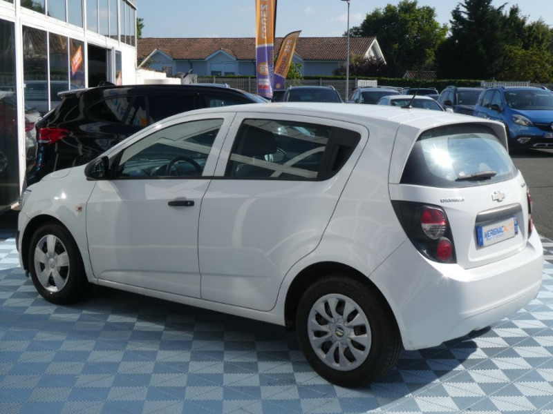 Photo 4 de l'offre de CHEVROLET AVEO 1.3 VCDI 75 LS+ CLIM 5P à 6750€ chez Mérignac auto