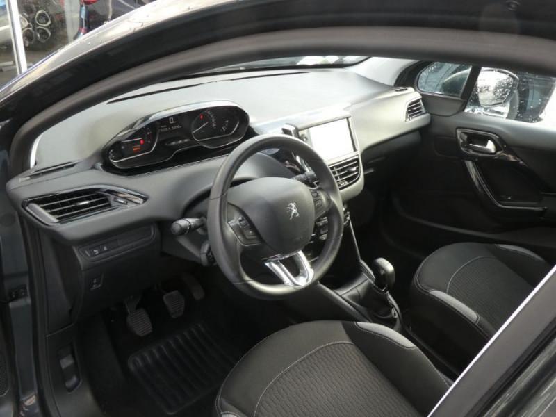 Photo 9 de l'offre de PEUGEOT 208 1.2 PureTech 82 ACTIVE GPS CLIM Auto Radar SC 1ère Main à 10850€ chez Mérignac auto
