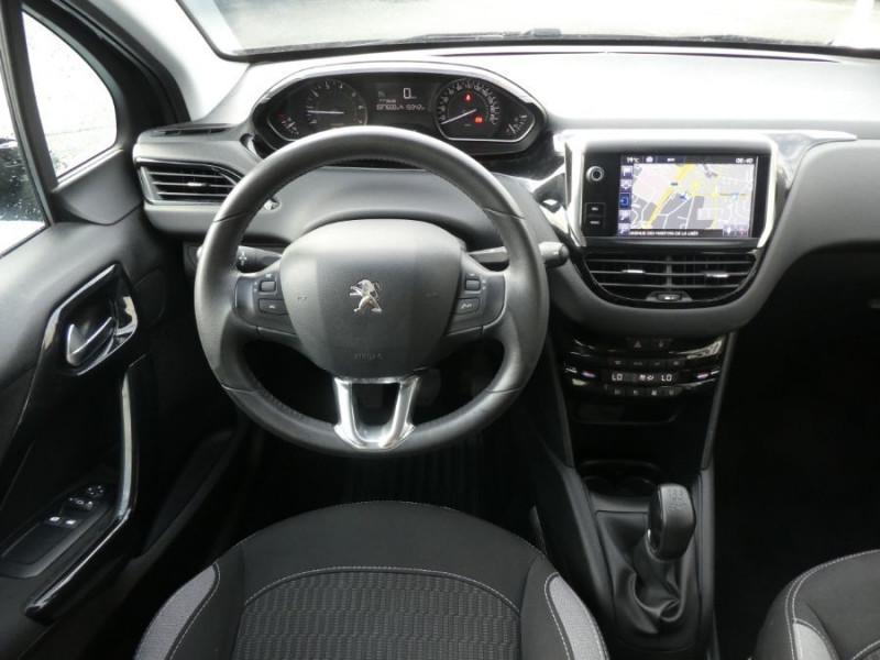 Photo 10 de l'offre de PEUGEOT 208 1.2 PureTech 82 ACTIVE GPS CLIM Auto Radar SC 1ère Main à 10850€ chez Mérignac auto