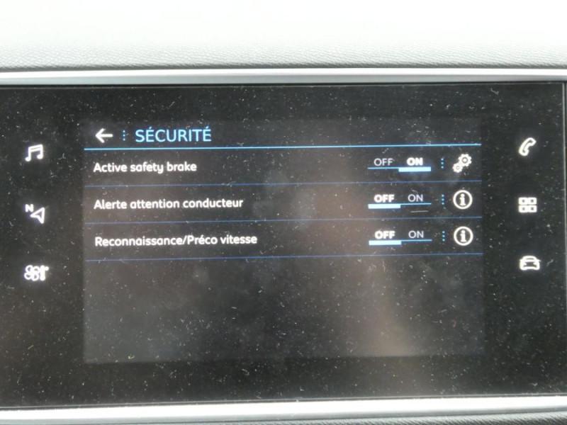 Photo 15 de l'offre de PEUGEOT 308 II (2) 1.5 BlueHDi 130 BV6 GT Camera à 20980€ chez Mérignac auto