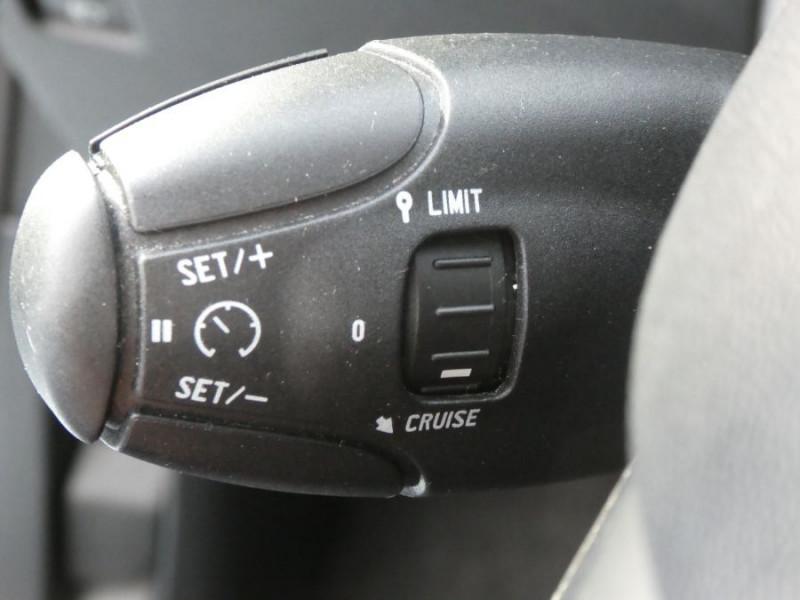 Photo 14 de l'offre de PEUGEOT 208 1.2 PureTech 82 ACTIVE GPS CLIM Auto Radar SC 1ère Main à 10850€ chez Mérignac auto