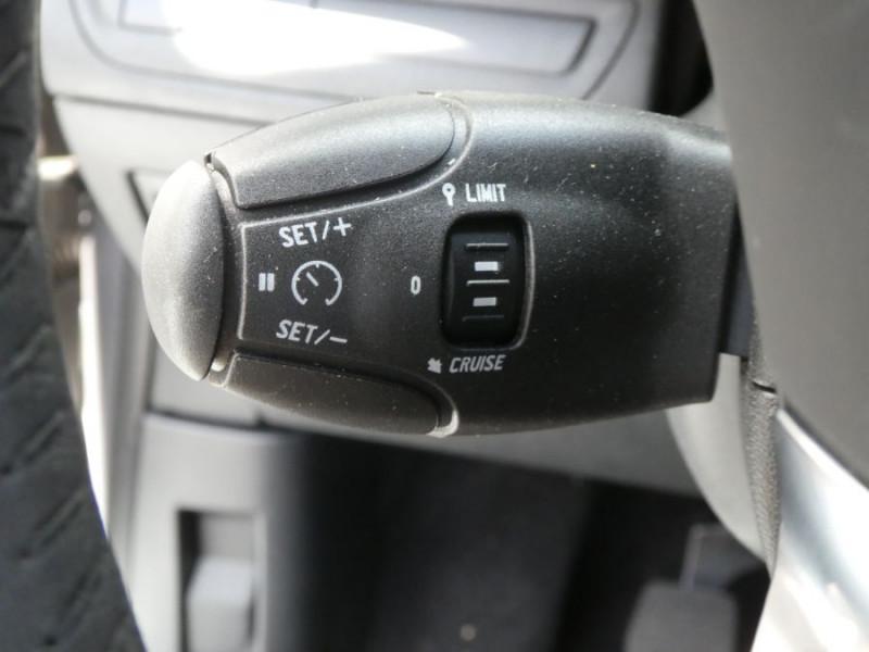 Photo 10 de l'offre de PEUGEOT 208 1.2 PureTech 82 ACTIVE Bluetooth Radar JA16 à 12950€ chez Mérignac auto