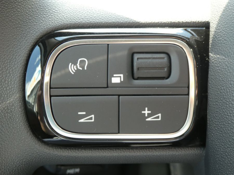 Photo 16 de l'offre de CITROEN C3 New PureTech 83 SHINE Mirror Link 4VE SC à 15950€ chez Mérignac auto