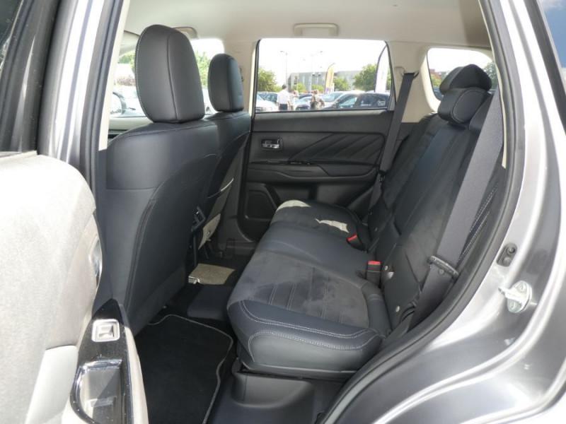 Photo 7 de l'offre de MITSUBISHI OUTLANDER III (2) PHEV TWIN MOTOR 4WD INTENSE Attelage à 25950€ chez Mérignac auto