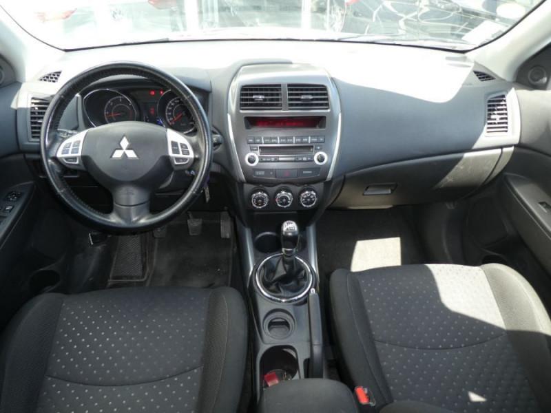 Photo 6 de l'offre de MITSUBISHI ASX 1.8 DI-D 150 BV6 2WD INVITE 1ère Main à 9490€ chez Mérignac auto