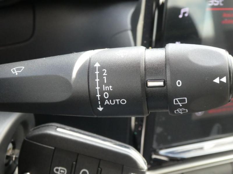 Photo 19 de l'offre de CITROEN C3 New PureTech 83 SHINE Mirror Link 4VE SC à 15950€ chez Mérignac auto