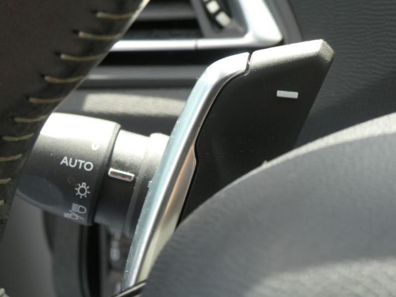 Photo 17 de l'offre de PEUGEOT 308 1.5 BlueHDi 130 EAT8 STYLE GPS Camera à 14750€ chez Mérignac auto