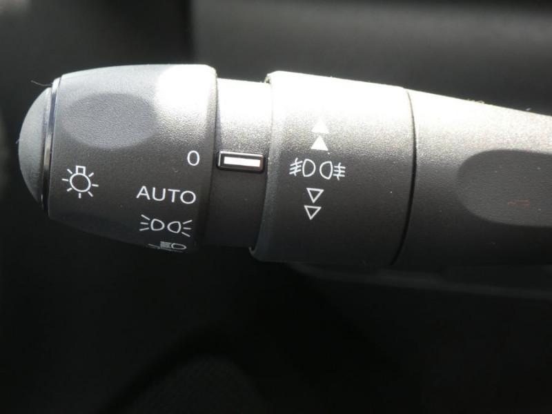 Photo 18 de l'offre de CITROEN C3 New PureTech 83 SHINE Mirror Link 4VE SC à 15950€ chez Mérignac auto