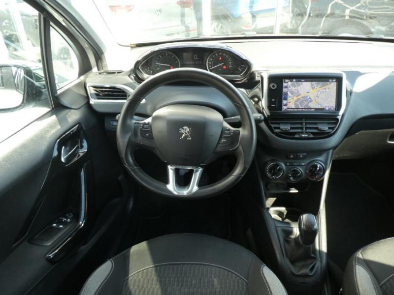 Photo 10 de l'offre de PEUGEOT 208 1.6 BlueHDi 75 STYLE GPS Pack City à 10250€ chez Mérignac auto