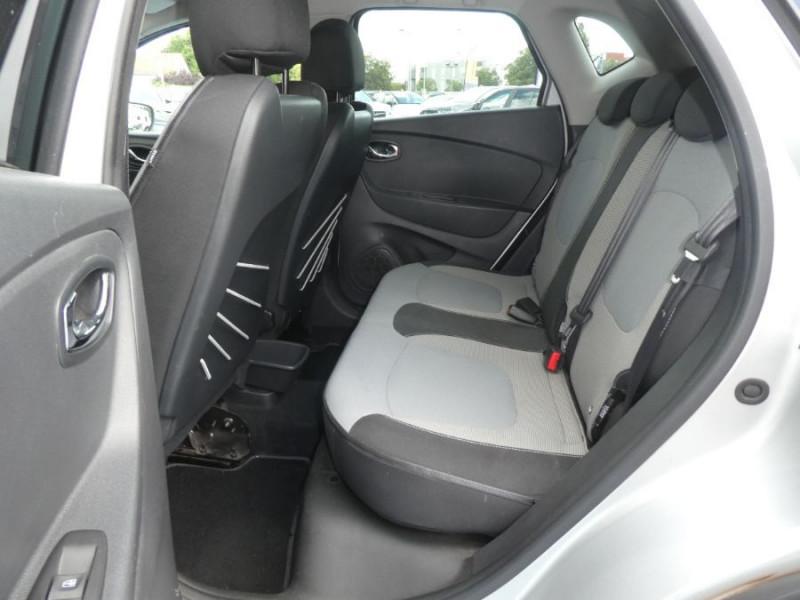 Photo 7 de l'offre de RENAULT CAPTUR 1.5 DCi 90 EDC INTENS Camera à 14250€ chez Mérignac auto