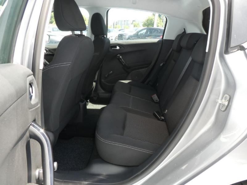 Photo 7 de l'offre de PEUGEOT 208 1.2 PureTech 82 ACTIVE Bluetooth Radar JA16 à 12950€ chez Mérignac auto