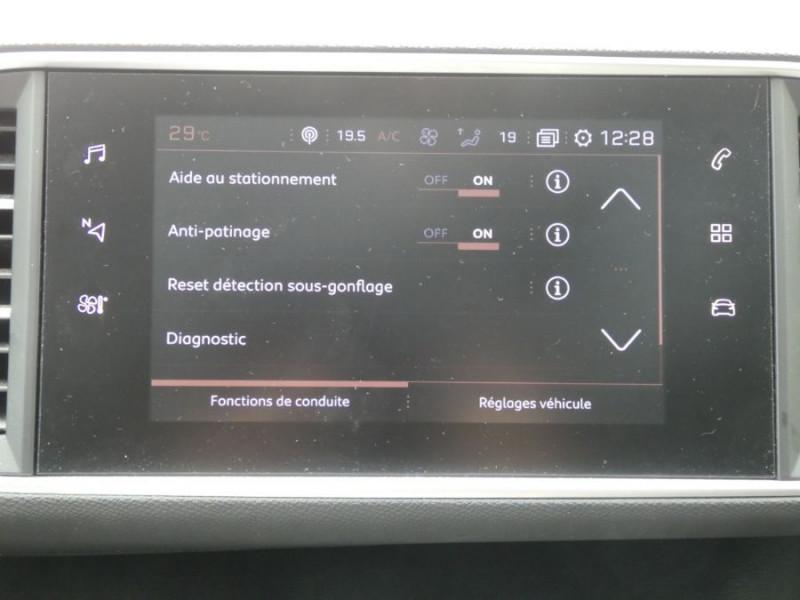 Photo 11 de l'offre de PEUGEOT 308 1.5 BlueHDi 130 EAT8 STYLE GPS Camera à 14750€ chez Mérignac auto