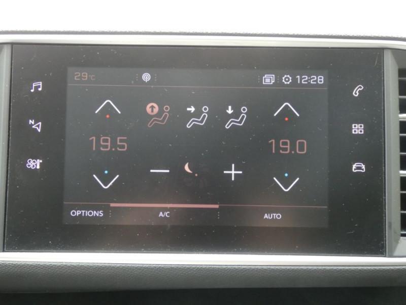 Photo 14 de l'offre de PEUGEOT 308 1.5 BlueHDi 130 EAT8 STYLE GPS Camera à 14750€ chez Mérignac auto