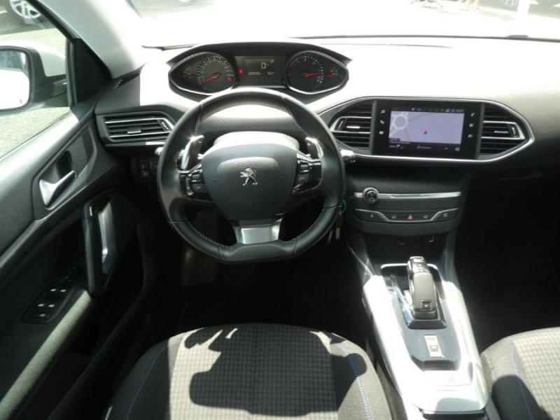 Photo 9 de l'offre de PEUGEOT 308 1.5 BlueHDi 130 EAT8 STYLE GPS Camera à 14750€ chez Mérignac auto