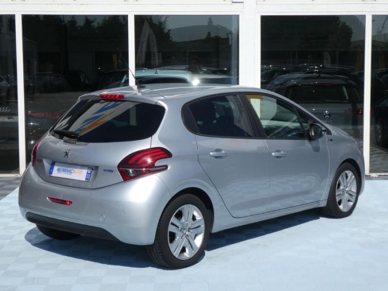 Photo 3 de l'offre de PEUGEOT 208 1.6 BlueHDi 75 STYLE GPS Pack City à 10250€ chez Mérignac auto