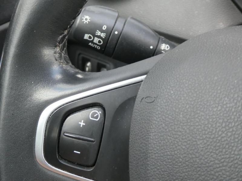 Photo 14 de l'offre de RENAULT CAPTUR 1.5 DCi 90 EDC INTENS Camera à 14250€ chez Mérignac auto