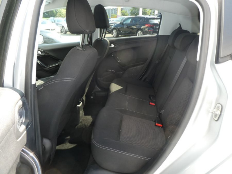 Photo 7 de l'offre de PEUGEOT 208 1.6 BlueHDi 75 STYLE GPS Pack City à 10250€ chez Mérignac auto