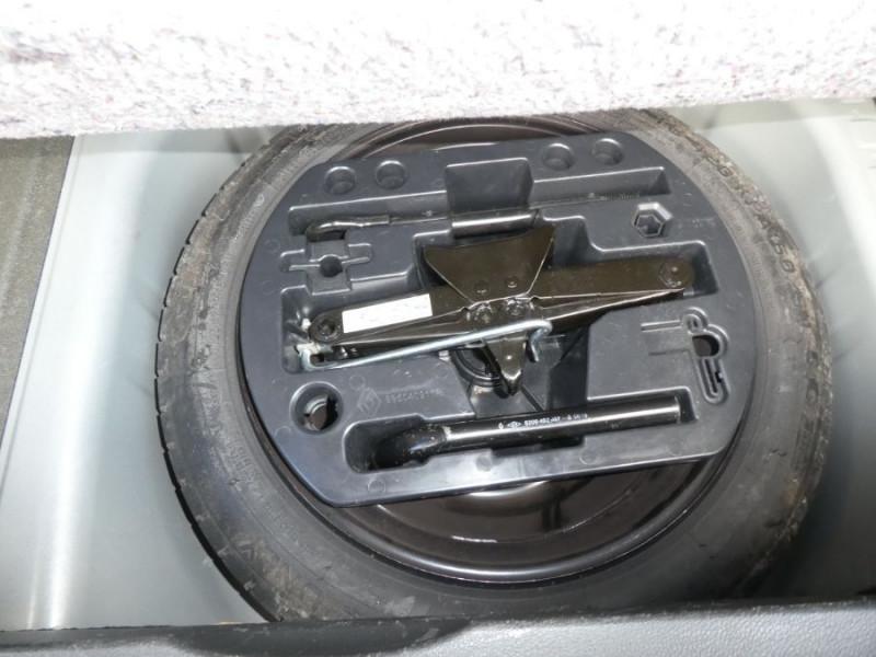 Photo 19 de l'offre de RENAULT CAPTUR 1.5 DCi 90 EDC INTENS Camera à 14250€ chez Mérignac auto