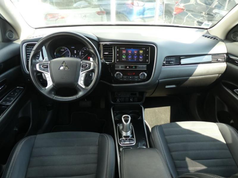 Photo 6 de l'offre de MITSUBISHI OUTLANDER III (2) PHEV TWIN MOTOR 4WD INTENSE Attelage à 25950€ chez Mérignac auto
