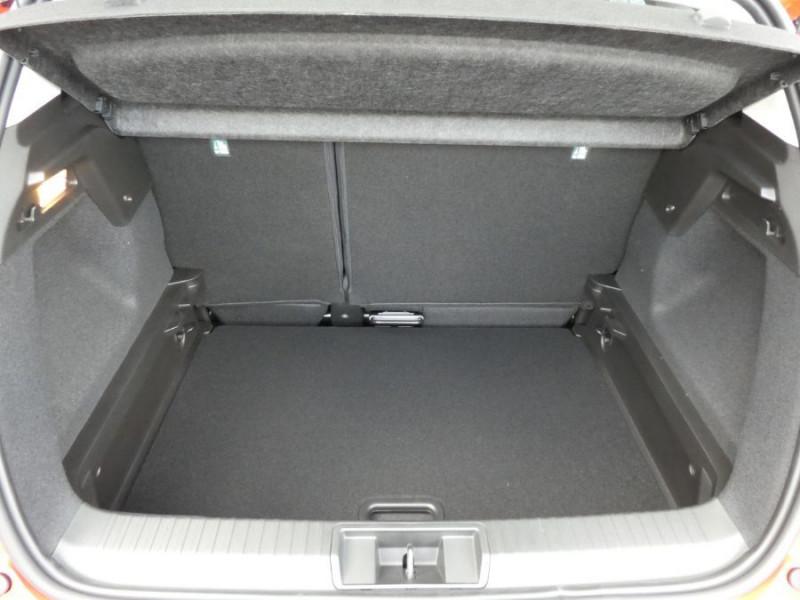 Photo 8 de l'offre de RENAULT CAPTUR II TCe 130 EDC7 ZEN Pack NAVI JA17 à 21890€ chez Mérignac auto