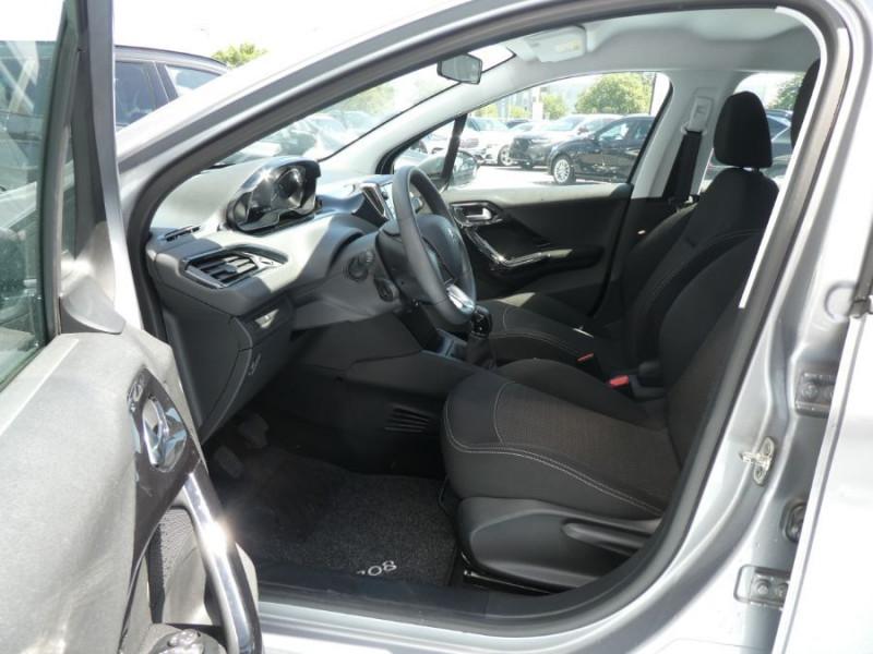 Photo 5 de l'offre de PEUGEOT 208 1.2 PureTech 82 ACTIVE Bluetooth Radar JA16 à 12950€ chez Mérignac auto
