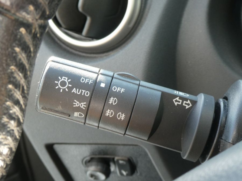 Photo 13 de l'offre de NISSAN QASHQAI 1.5 DCI 110 BV6 Ph.2 ACENTA Bluetooth à 9250€ chez Mérignac auto