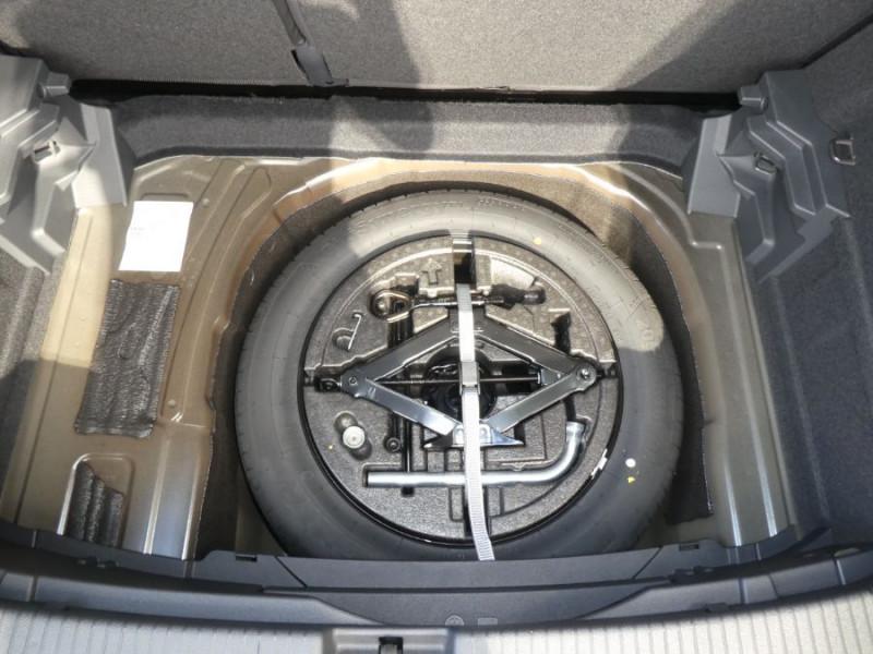 Photo 6 de l'offre de VOLKSWAGEN T-CROSS 1.0 TSI 110 DSG7 LOUNGE PACK BLACK Camera JA17 (8 Options) à 24980€ chez Mérignac auto