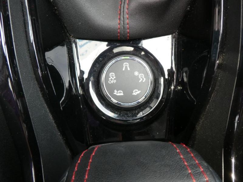 Photo 19 de l'offre de PEUGEOT 2008 II 1.6 BlueHDi 120 BV6 GT LINE TOIT Pano Camera à 18450€ chez Mérignac auto