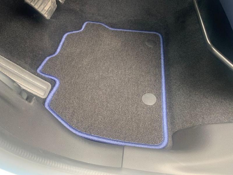 Photo 18 de l'offre de RENAULT ZOE R135 EXCEPTION CUIR GPS Bose Achat Intégral à 22950€ chez Mérignac auto