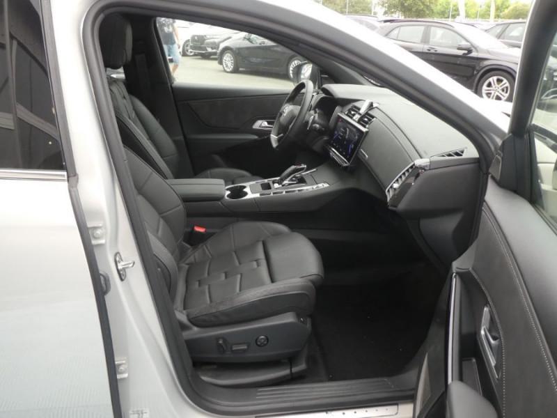 Photo 8 de l'offre de DS DS7 CROSSBACK 1.6 E-TENSE 300 BVA 4X4 GRAND CHIC CUIR Opera TOIT Pano à 47900€ chez Mérignac auto