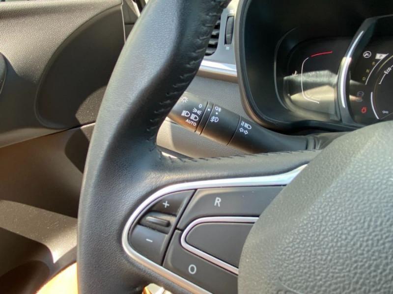 Photo 13 de l'offre de RENAULT KADJAR 1.5 DCI 110 EDC BUSINESS GPS Radars 1ère Main à 16450€ chez Mérignac auto