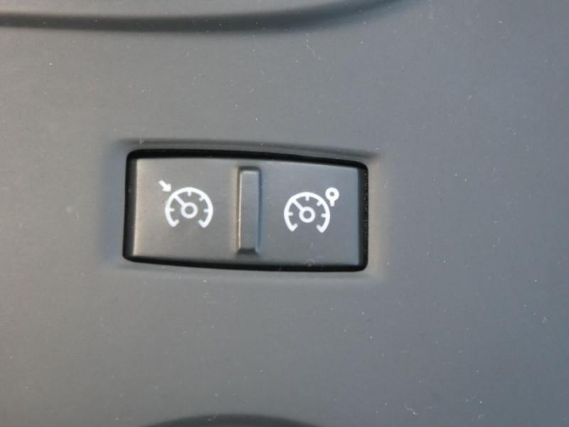 Photo 20 de l'offre de RENAULT MEGANE IV 1.5 DCI 115 BV6 BUSINESS GPS Radars à 14790€ chez Mérignac auto