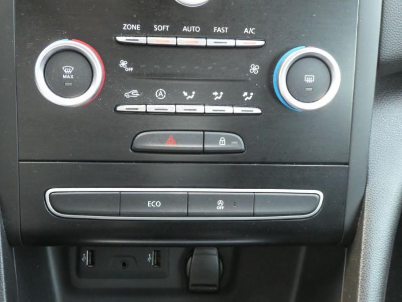 Photo 17 de l'offre de RENAULT MEGANE IV 1.5 DCI 115 BV6 BUSINESS GPS Radars à 14790€ chez Mérignac auto