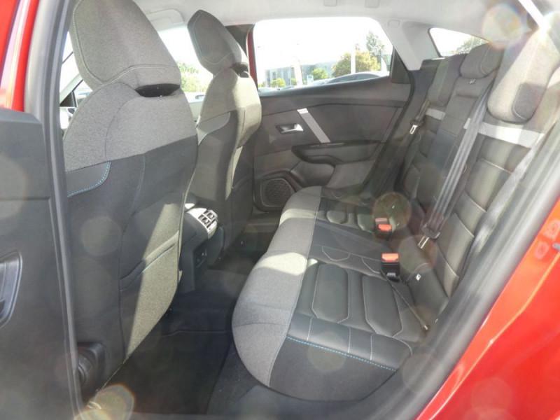 Photo 7 de l'offre de CITROEN C4 BlueHDi 130 EAT8 SHINE HIGHWAY Assist Induction à 27480€ chez Mérignac auto