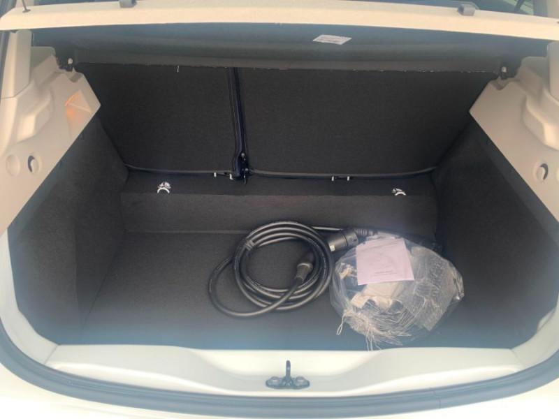 Photo 13 de l'offre de RENAULT ZOE R135 EXCEPTION CUIR GPS Achat Intégral à 22950€ chez Mérignac auto
