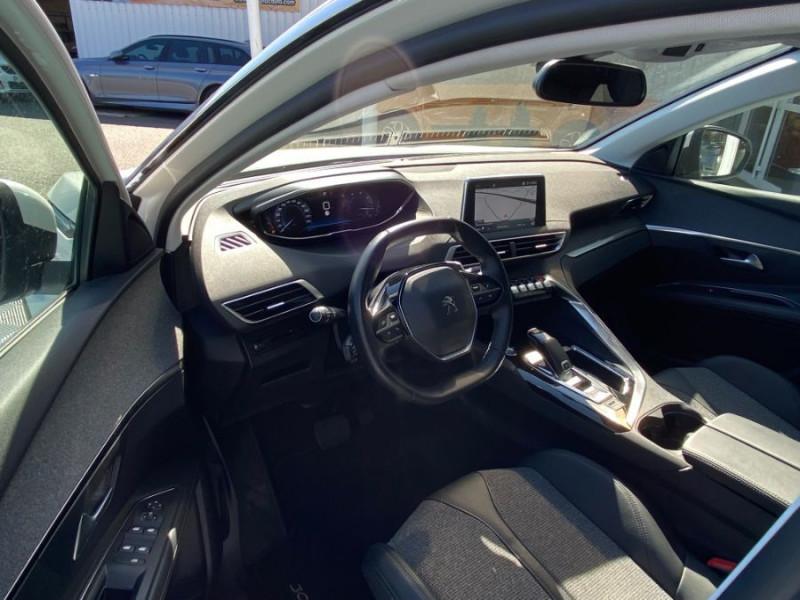 Photo 9 de l'offre de PEUGEOT 3008 1.5 BlueHDI 130 EAT8 ALLURE Camera à 29750€ chez Mérignac auto