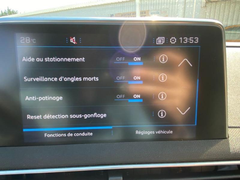 Photo 16 de l'offre de PEUGEOT 3008 1.5 BlueHDI 130 EAT8 ALLURE Camera à 29750€ chez Mérignac auto