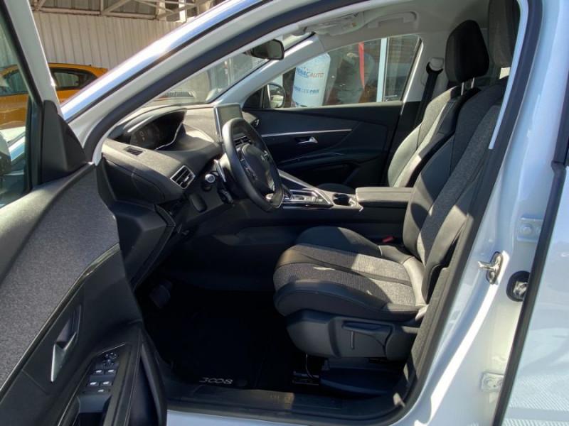 Photo 5 de l'offre de PEUGEOT 3008 1.5 BlueHDI 130 EAT8 ALLURE Camera à 29750€ chez Mérignac auto
