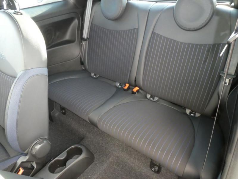 Photo 7 de l'offre de FIAT 500 1.0 70 BSG Hybrid BV6 ROCKSTAR GPS TFT TOIT Pano JA16 à 15450€ chez Mérignac auto