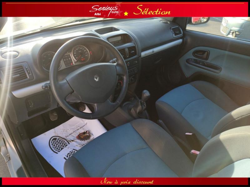 Photo 8 de l'offre de RENAULT CLIO Billabong 1.2i 16V 3Pte Distri + CTOK à 2800€ chez Garage Serieys Auto