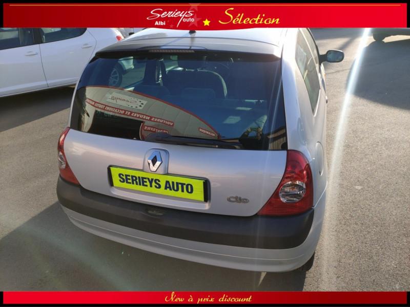Photo 14 de l'offre de RENAULT CLIO Billabong 1.2i 16V 3Pte Distri + CTOK à 2800€ chez Garage Serieys Auto