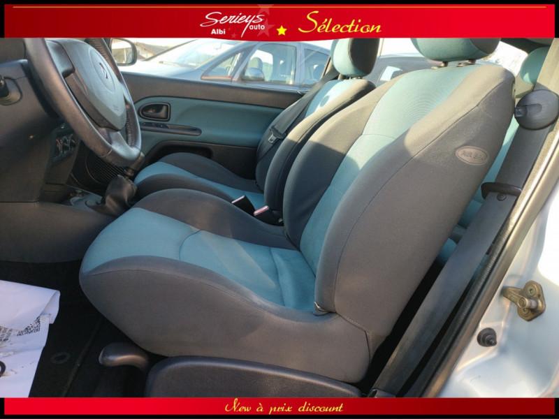 Photo 12 de l'offre de RENAULT CLIO Billabong 1.2i 16V 3Pte Distri + CTOK à 2800€ chez Garage Serieys Auto