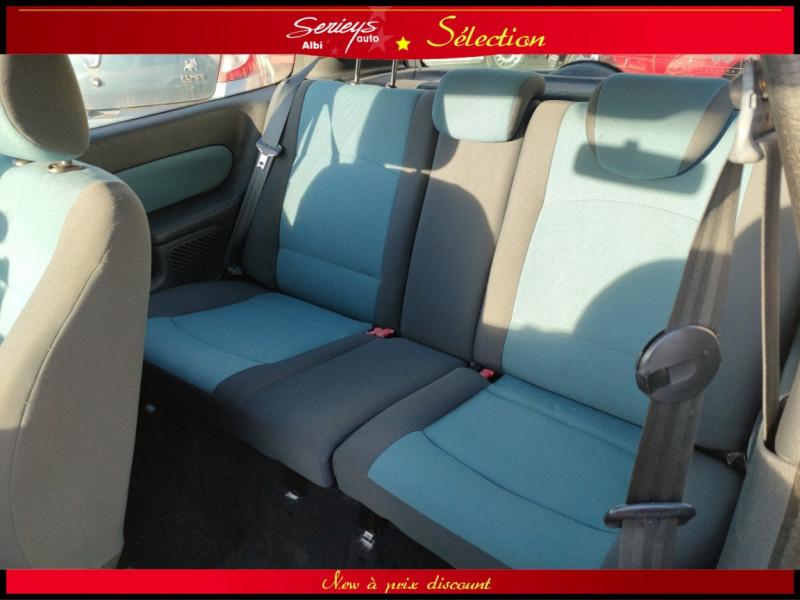 Photo 22 de l'offre de RENAULT CLIO Billabong 1.2i 16V 3Pte Distri + CTOK à 2800€ chez Garage Serieys Auto