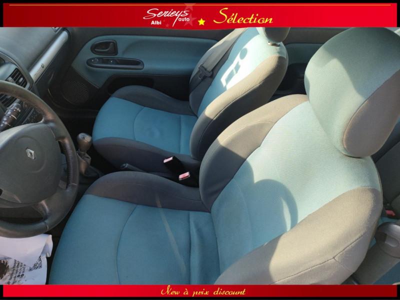 Photo 13 de l'offre de RENAULT CLIO Billabong 1.2i 16V 3Pte Distri + CTOK à 2800€ chez Garage Serieys Auto